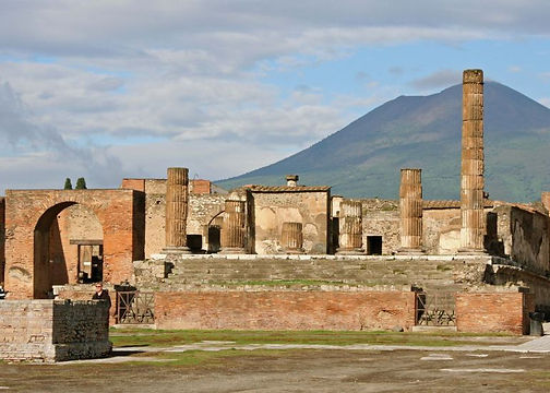 ruins of the temple of jupiter pompeii