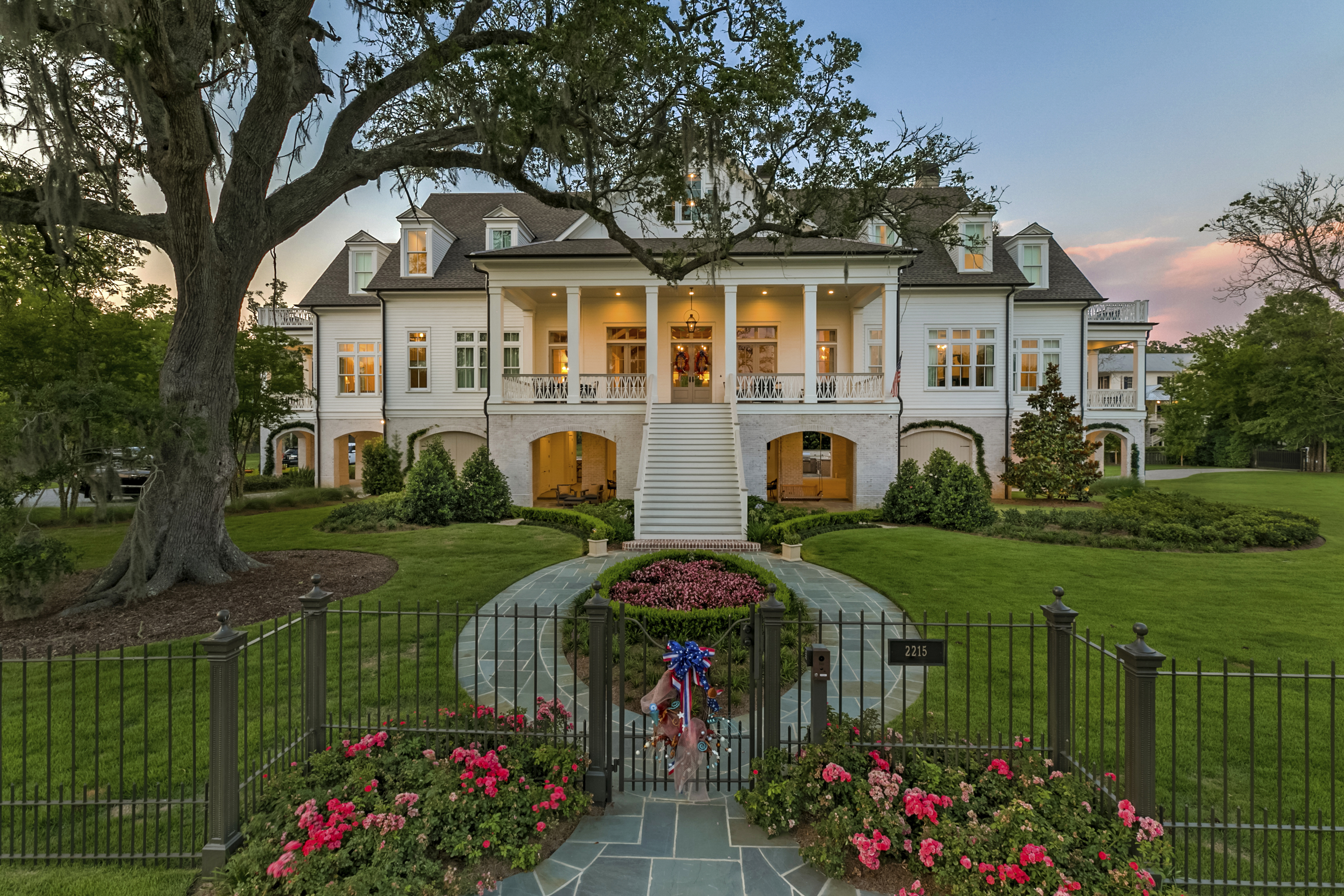 © NOLA Real Estate Marketing