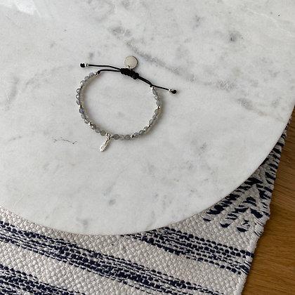 Bransoletka z labradorytu ze srebrnym piórkiem