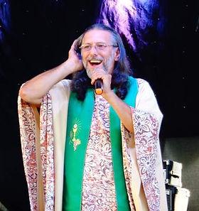 Padre Edson Roberto Codato.jpg