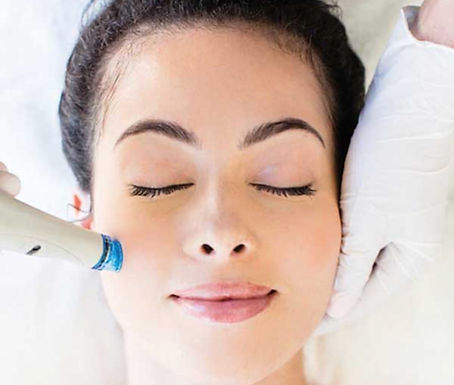 HydraFacial with Microcurrent Lift
