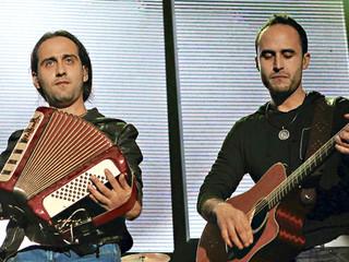 Los Vásquez nuevamente es el grupo chileno que más sonó en radios en el año