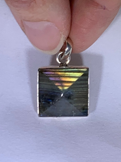 Labradorite Pendant, Pyramid (LF2)
