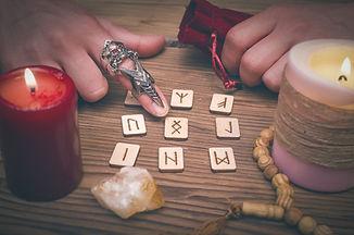 Runestone reading. Scandinavian runes di