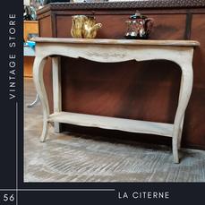 Console Interiors La Citerne Vintage Store