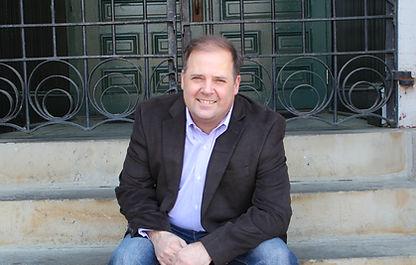 Dr. Craig von Buseck