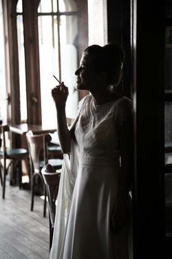 mariée-pause-cigarette