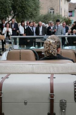 mariage-arrivee-mairie-voiture