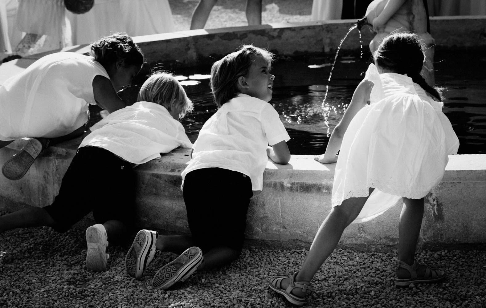 mariage-enfant-fontaine-villa-brignac