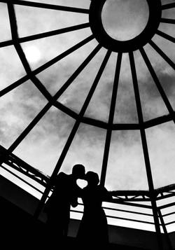 14-couple-mariage-chateau-de-vallery-pigeonnier