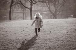 photo-enfant-parc-exterieur-hiver-19-min