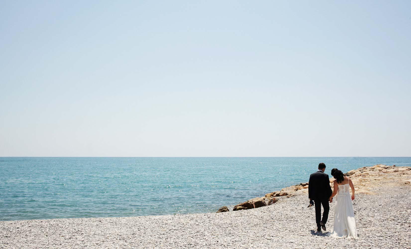 mariage-couple-plage-de-Nice