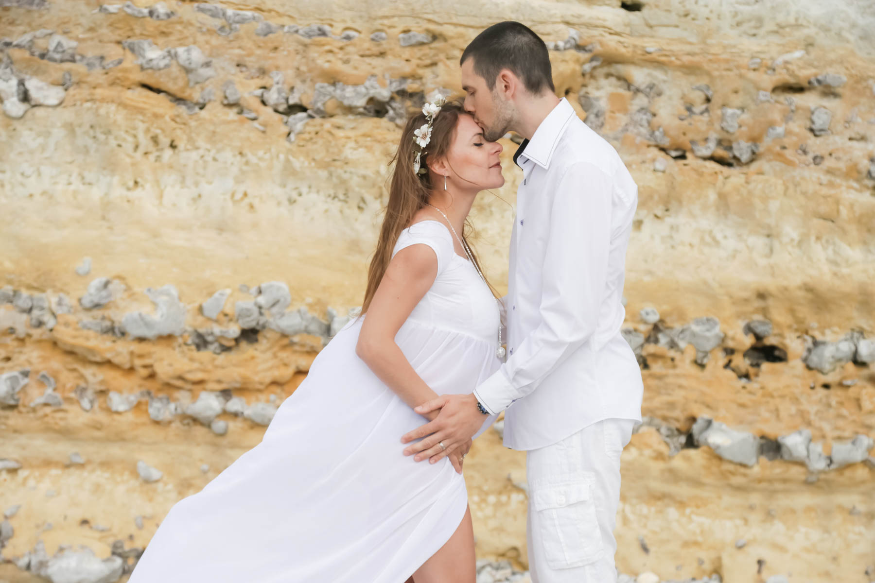 grossesse-etretat-mer-falaise-plage-ence