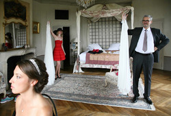 preparation-chambre-chateau-vallery-papa-robe