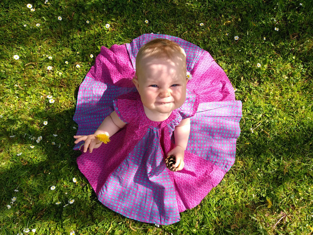 photo de bébé au jardin