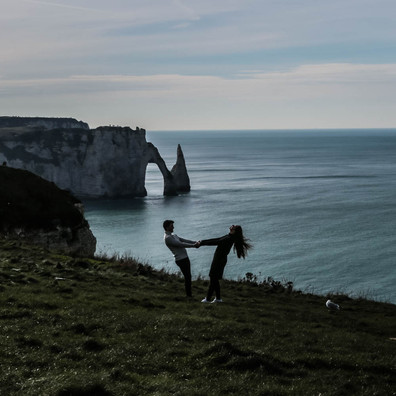 séance photo de couple à Etretat