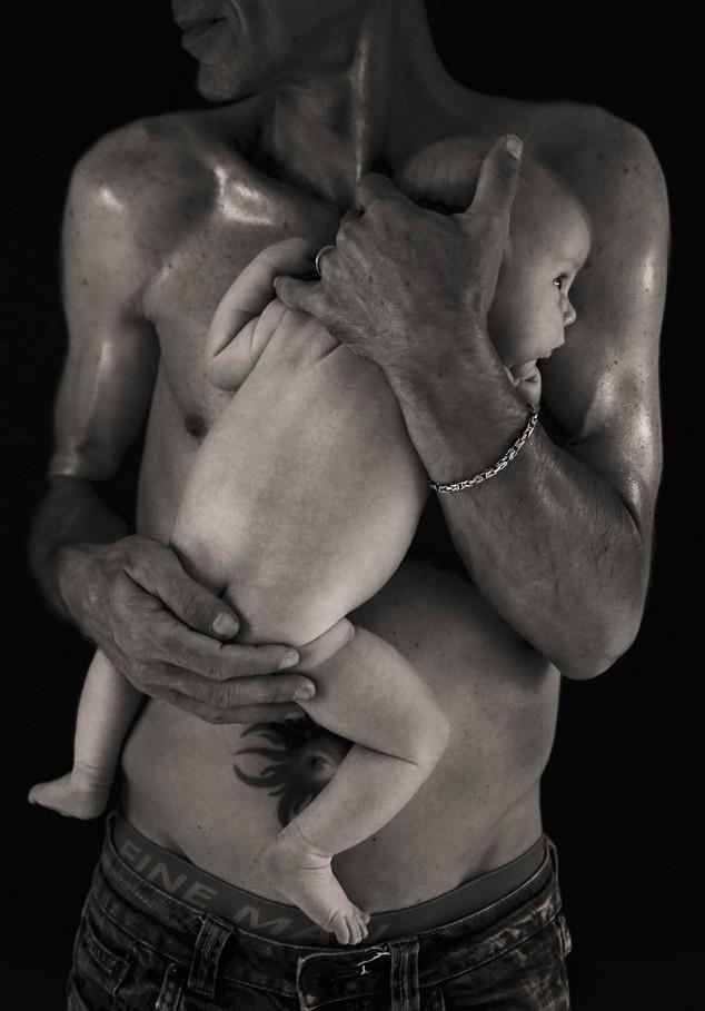 photo de bébé et papa en studio