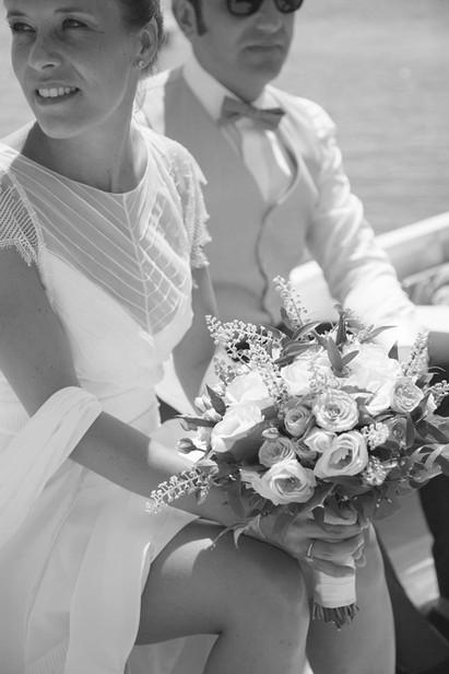 Reportage photo d'un jolie mariage rétro à la mairie de Sanary sur Mer, et sous le soleil de la Villa Brignac, VarReportage photo d'un jolie mariage rétro à la mairie de Sanary sur Mer, et sous le soleil de la Villa Brignac, Var