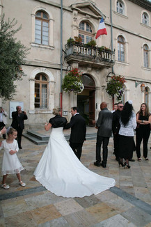 Un mariage sous les oliviers au Domaine de Beauregard à Monteux, Vaucluse