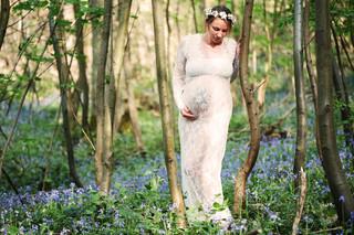 photo grossesse en forêt