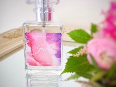 香りの変化も楽しめる香水