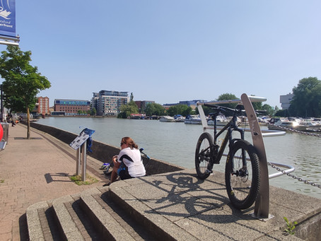 Biketechmedic took a break for the morning and had a summer chill out ride.