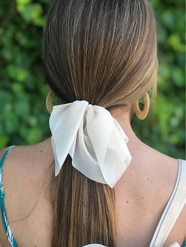 Ivory Short Hair Scarf