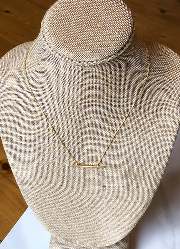 Gold Chain With Horizontal Bar