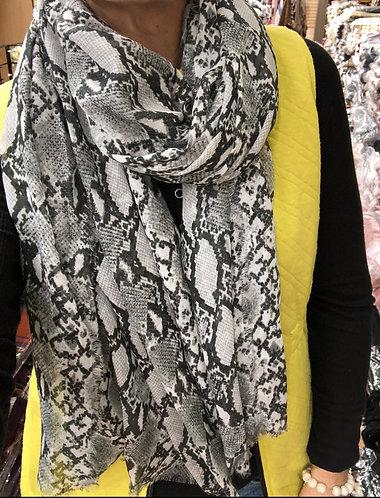 Snakeskin print thin scarf