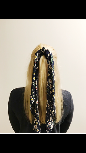 Small floral print scrunchie scarf