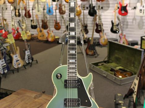 Gibson Les Paul Custom 1968 Reissue i Aged Pelham Blue, 39999:-