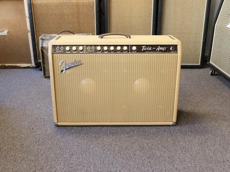 Begagnad Fender Twin Amp från 1962, 99999:-