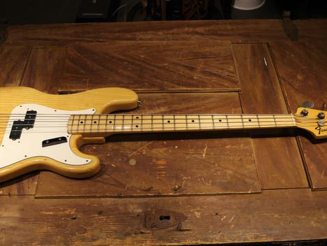 Begagnad orginal Fender Precision Bass från 1972, lätt och fin.