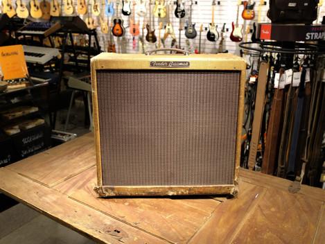 Nu har vi en orginal 1960 Fender Bassman   hos Musikbörsen i Göteborg