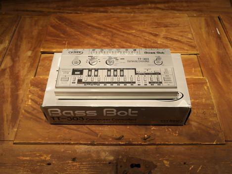 Begagnad BassBot TT-303, TB-303 klon,6999:-