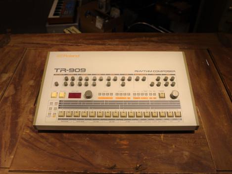 Såld, Begagnad Roland TR-909 Trummaskin, 54999:-