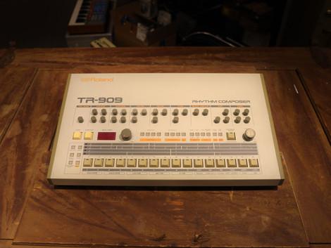 Begagnad Roland TR-909 Trummaskin, 54999:-