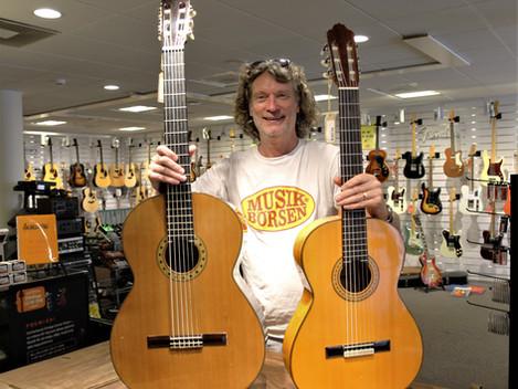 Begagnad Esteve Contrabass/ gitarr, handgjord solid gitarr/ bas, 4999:- Den lilla gitarren är 4/4.