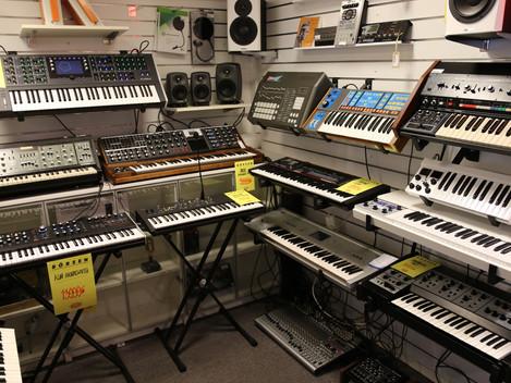 Vi köper gärna dina gamla analogsyntar och trummaskiner i Göteborg