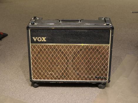 Begagnad VOX AC-30 Bass från 1965, ultrarare, 24999:-