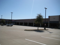 The Shoppes at Allen Heights3