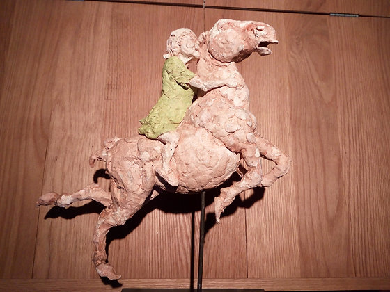 Marie Sculpture - Vieille dame robe verte sur cheval