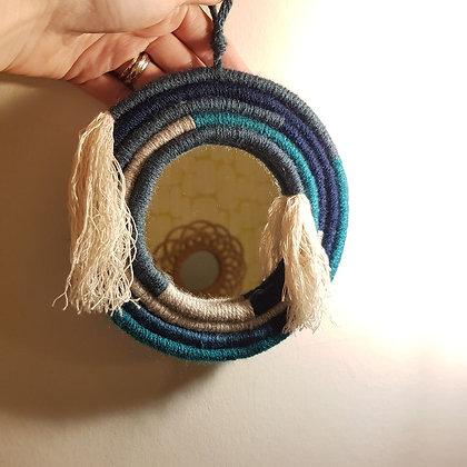 NondiDjoul! - Miroir torsadé de laines bleutées - diamètre 15 cm