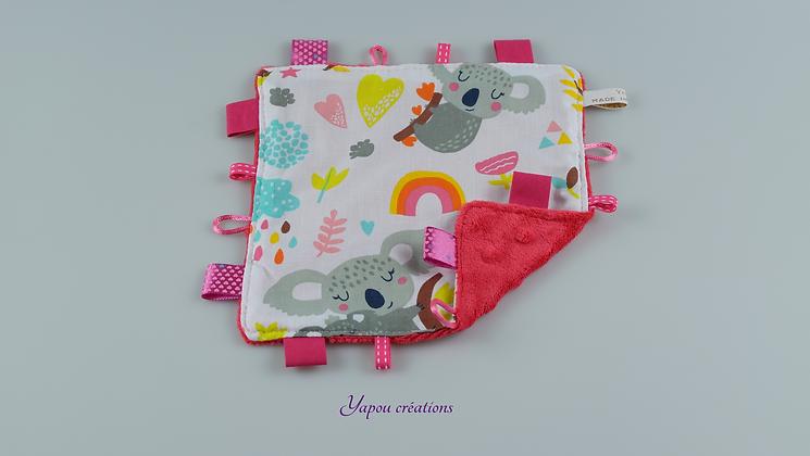 Yapou Créations - Doudou plat carré - Koalas roses