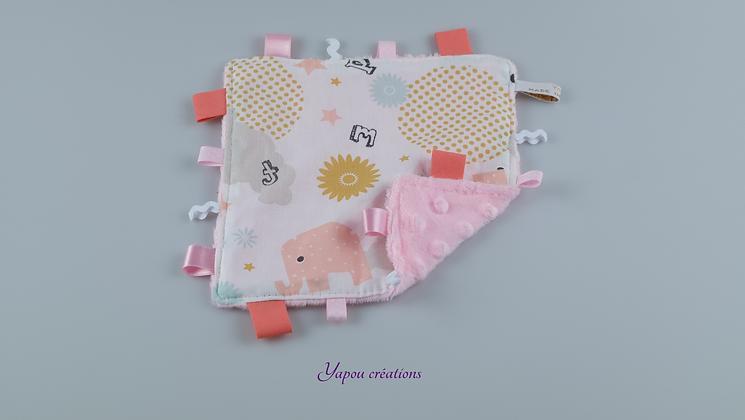 Yapou Créations - Doudou plat carré - Eléphants roses