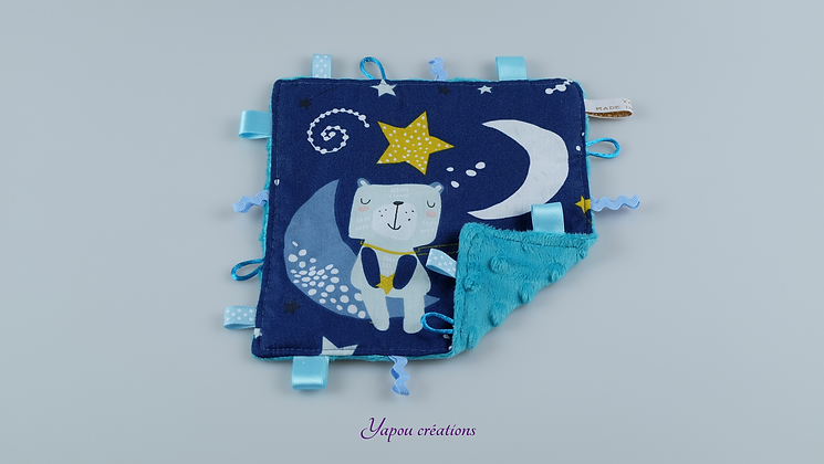 Yapou Créations - Doudou plat carré - Ourson bleu nuit