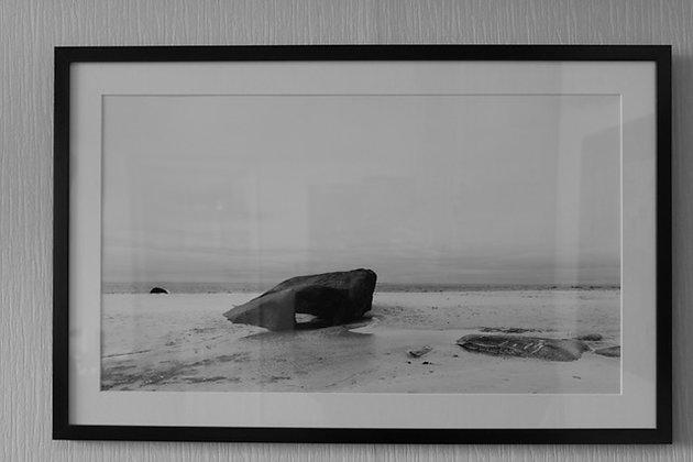 """Benoit De Clerck - Photo """"Rocher sur la plage"""" (40/60)"""