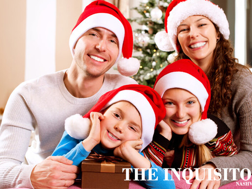 Annoyingly perfect Facebook family still posting photos from their perfect little Christmas