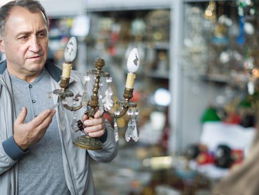 Nashville Flea Market vendor eager to share 50-minute history of rusty broken lamp