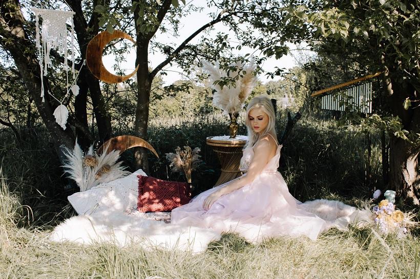 Wild Meadow Photography | Boho outdoors festival wedding bride